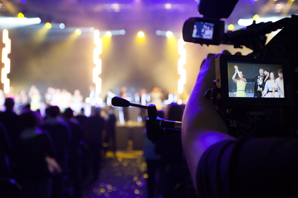 """Presentations – How to end a """"video-guy's"""" agony in 8 easy steps"""