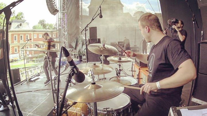#throwbackthursday to filming for @kompass_band at …